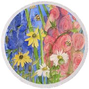 Cottage Garden Daisies And Blue Skies Round Beach Towel