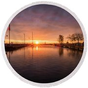 Could Be Paradise Round Beach Towel
