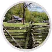 Country Cabin And Fence Round Beach Towel