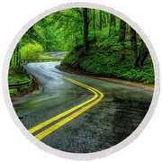 Country Road In Spring Rain Round Beach Towel