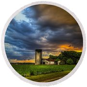 Country Tempest Round Beach Towel
