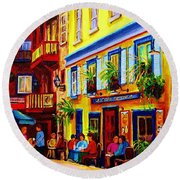 Courtyard Cafes Round Beach Towel