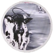 Cow In Winter Round Beach Towel