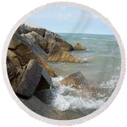 Crashing Beauty Round Beach Towel
