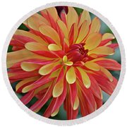 Crazy Legs Dahlia Round Beach Towel