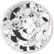 Creatures And Features Round Beach Towel