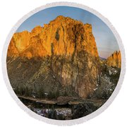 Crooked River At Smith Rock Round Beach Towel
