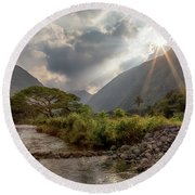 Crossing Hiilawe Stream Round Beach Towel