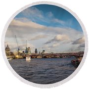 Cruise On The Thames Round Beach Towel