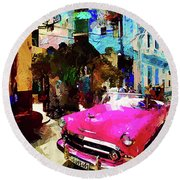Cruising In Havana Round Beach Towel