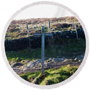 Curbar Edge Which Way To Go Round Beach Towel