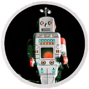 Cute 1970s Robot On Black Background Round Beach Towel