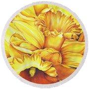 Daffodil Drama Round Beach Towel