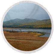 Dahl Lake In Autumn Round Beach Towel