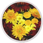 Dahlia Display Round Beach Towel