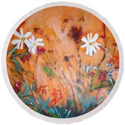 Daisies Along The Fence Round Beach Towel