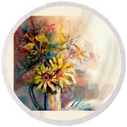 Daisy Day Round Beach Towel