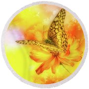 Daisy For A Butterfly Round Beach Towel
