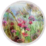 Dancing Thistles Round Beach Towel