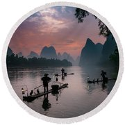 Waiting For Sunrise On Lee River. Round Beach Towel