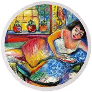 Day Bed Dreaming Round Beach Towel