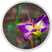 Day Of The Lily Round Beach Towel