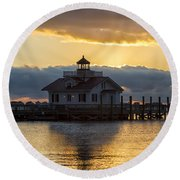Daybreak Over Roanoke Marshes Lighthouse Round Beach Towel