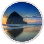 Day's End In Cannon Beach Round Beach Towel