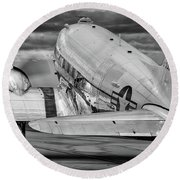 Dc3 Taxiing For Departure Round Beach Towel