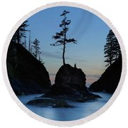 Deadman's Cove At Cape Disappointment At Twilight Round Beach Towel