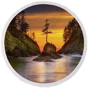 Deadman's Cove At Cape Disappointment State Park Round Beach Towel