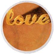 Decorating Love Round Beach Towel