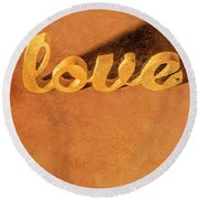 Decorating Love Round Beach Towel