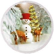 Deer And Snowman Round Beach Towel