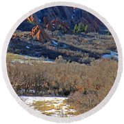 Deer At Roxborough Round Beach Towel