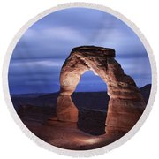 Delicate Arch At Twilight Round Beach Towel