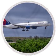 Delta Air Lines 757 Airplane N557nw Art Round Beach Towel