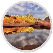 Desert Rock Drama Round Beach Towel