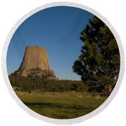 Devil's Tower Round Beach Towel