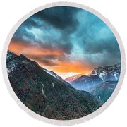 Dingboche Sunrise Round Beach Towel
