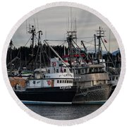 Round Beach Towel featuring the photograph Discovery Harbour by Randy Hall