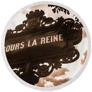 Distressed Parisian Street Sign Round Beach Towel