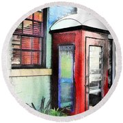 Do-00091 Telephone Booth In Morpeth Round Beach Towel