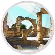 Round Beach Towel featuring the photograph Do-00408 Colonnades In Tyr by Digital Oil