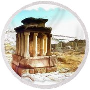 Do-00432 The Temple Of Faqra Round Beach Towel