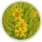 Daffodils Too Round Beach Towel