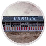 Donut Shop No Longer Vintage 2, Niceville, Florida Round Beach Towel