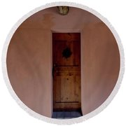 Door In Brisighella, Italy Round Beach Towel