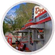 Dot's Diner In Bisbee Round Beach Towel