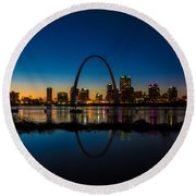 Downtown St. Louis And The Gateway Arch Round Beach Towel